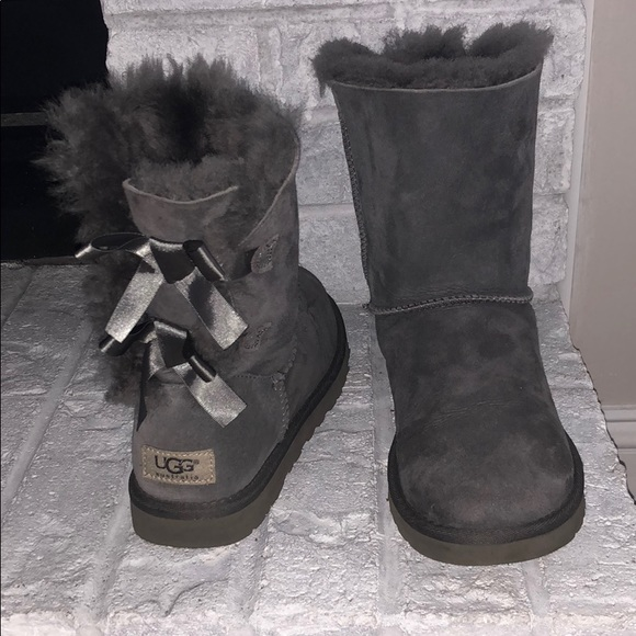 58b0b22ef82 Grey Bailey Bow Uggs